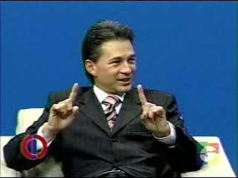 Cash Luna, Entrevista con Haroldo Sanchez de Guatevision - 2 de 6