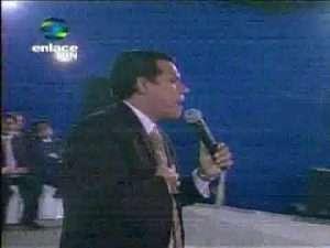 Video: Noches De Gloria En Honduras – Cash Luna – Julio Melgar