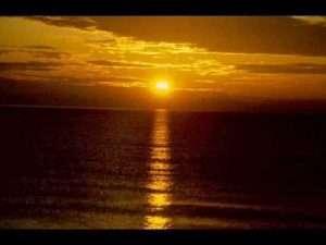 Marcos Brunet – Al que esta sentado en el Trono #musicacristiana #video