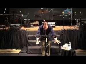 Dios no tiene preferidos – Predica de Marcos Witt
