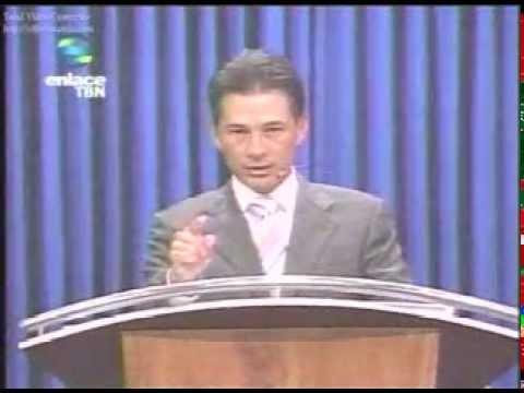 Photo of Pastor Cash Luna – Dios abre y cierra puertas