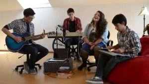 Hillsong Young & Free – Gracious Tempest, Español