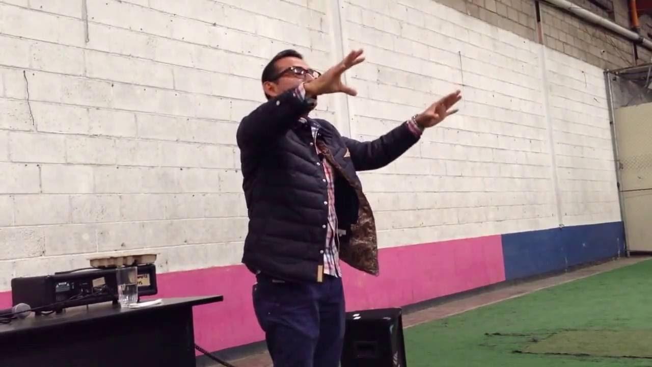 Photo of Agradecidos con lo que tenemos – Pastor Roberto Solares